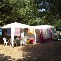 Sunny or shady campsites with direct access to the beach